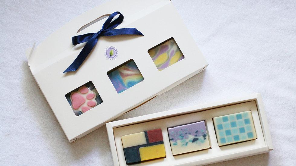 White Handmade Soap Gift – 3 Soaps