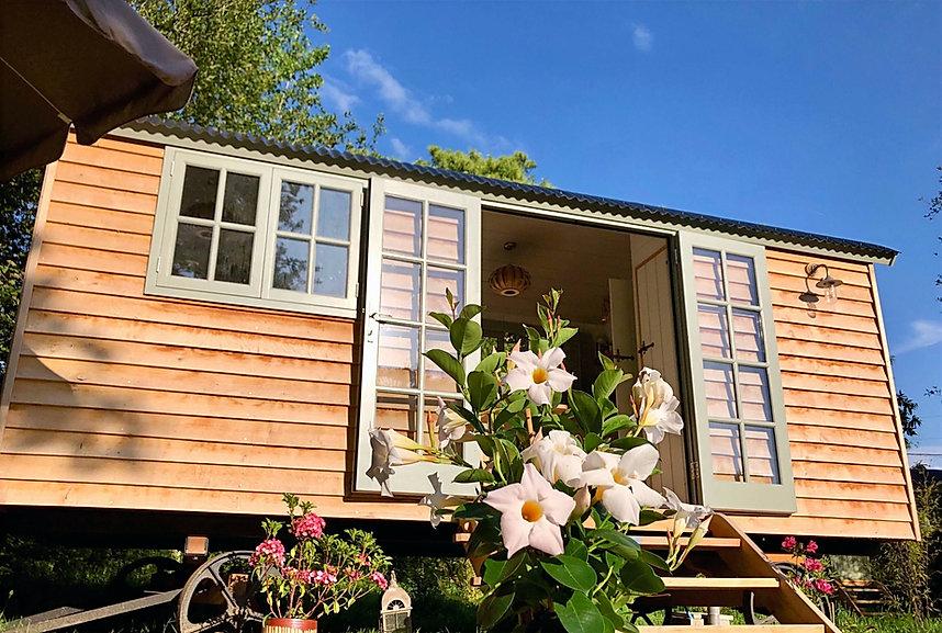 lhutel hut Dordogne