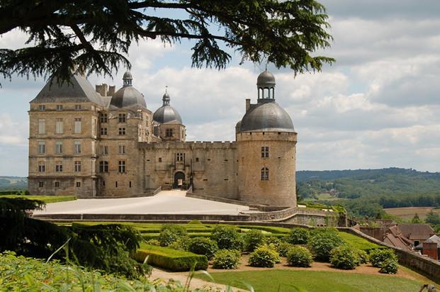 Château de Hautefort et ses Jardins