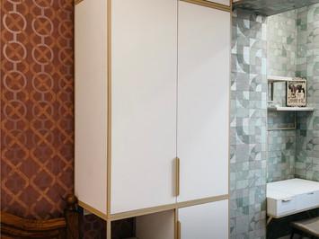 Прикроватный шкаф с максимальной функциональностью