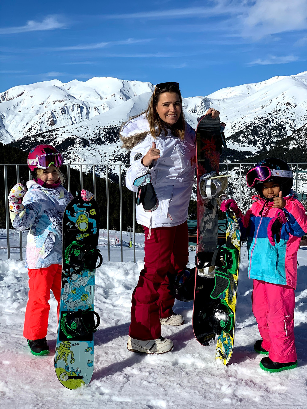 Hi, I am Zazi, a young snowboard gril. Here I am all geared up for my second day of snowboarding, in El Tarter - Grandvalira, Andorra.