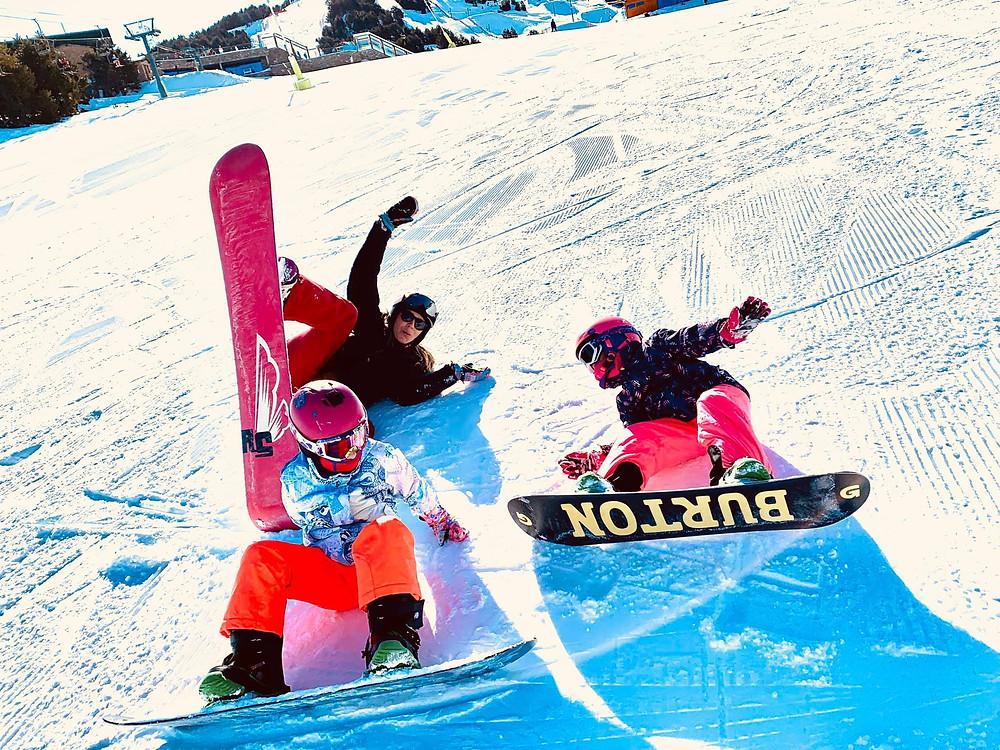 February 2020, snowboarding with my best friend Cristina and her Mom. Zazi Landman in El Tarter - Grandvalira, Andorra