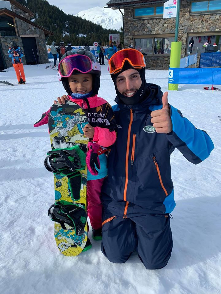 Hi, I am Zazi Landman, a young snowboard girl. Here a photo with my snowboard instructor Manel Maestre. December 2019, El Tarter - Grandvalira, Andorra.