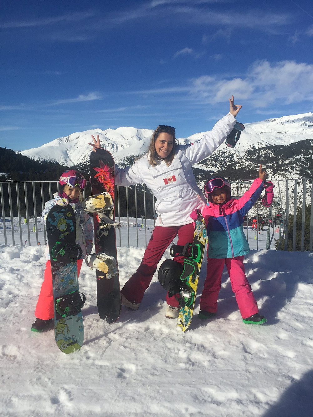 Hi I am Zazi Landman, a 7 year old snowboard girl. Here a photo of my best friend Cristina, her mother Elena and me, snowboarding in El Tarter - Grandvalira, Andorra for New Years Eve. December 2019 - January 2020.