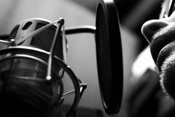banco de voces para radio