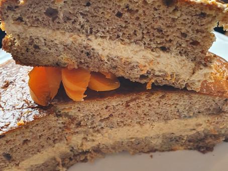 Marillen-Haselnuss Torte