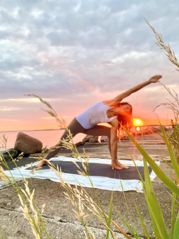HYBRID - Faszien und Power-Yoga