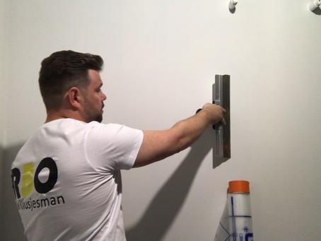 Leer muren perfect schilderklaar maken