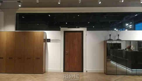 Металическая звукоизоляционная дверь