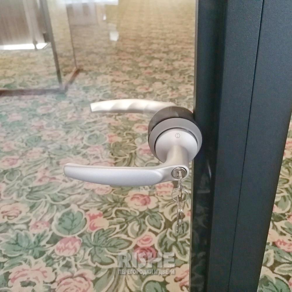 Дверная ручка Hoppe Пластиковый язычок -