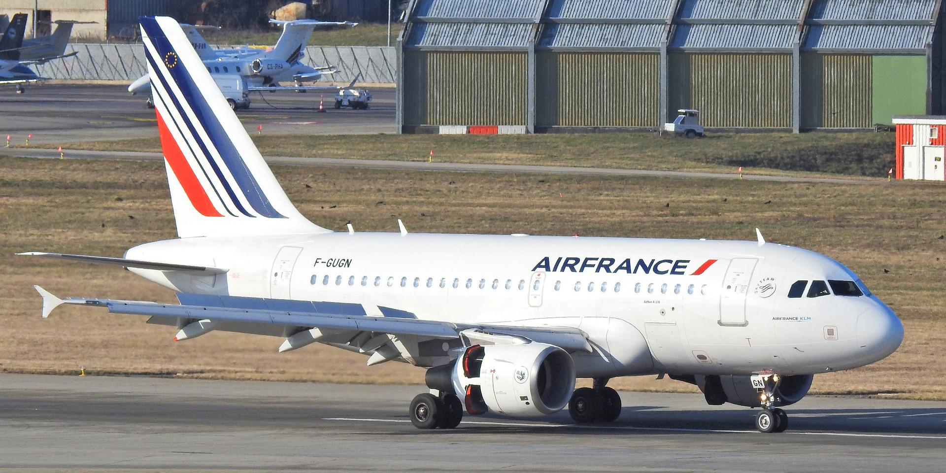 318 AF F-GUGN GVA 200120 (1).jpg