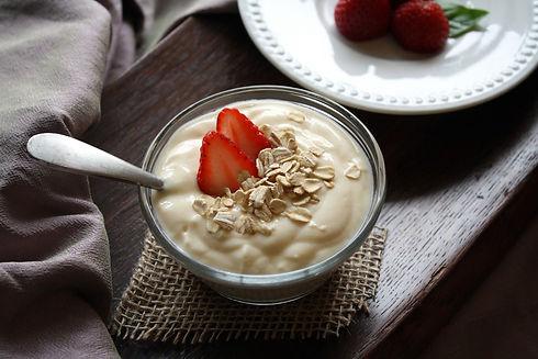 yogurt_fruit_vanilla_strawberries_food_h