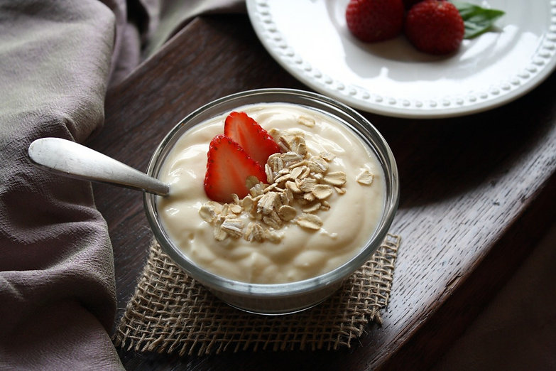 yogurt_fruit_vanilla_strawberries_food_h