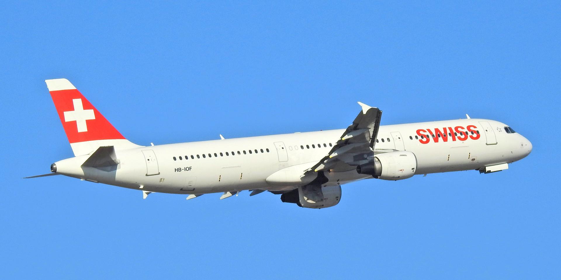 321 LX HB-IOF GVA 200120 (4).jpg