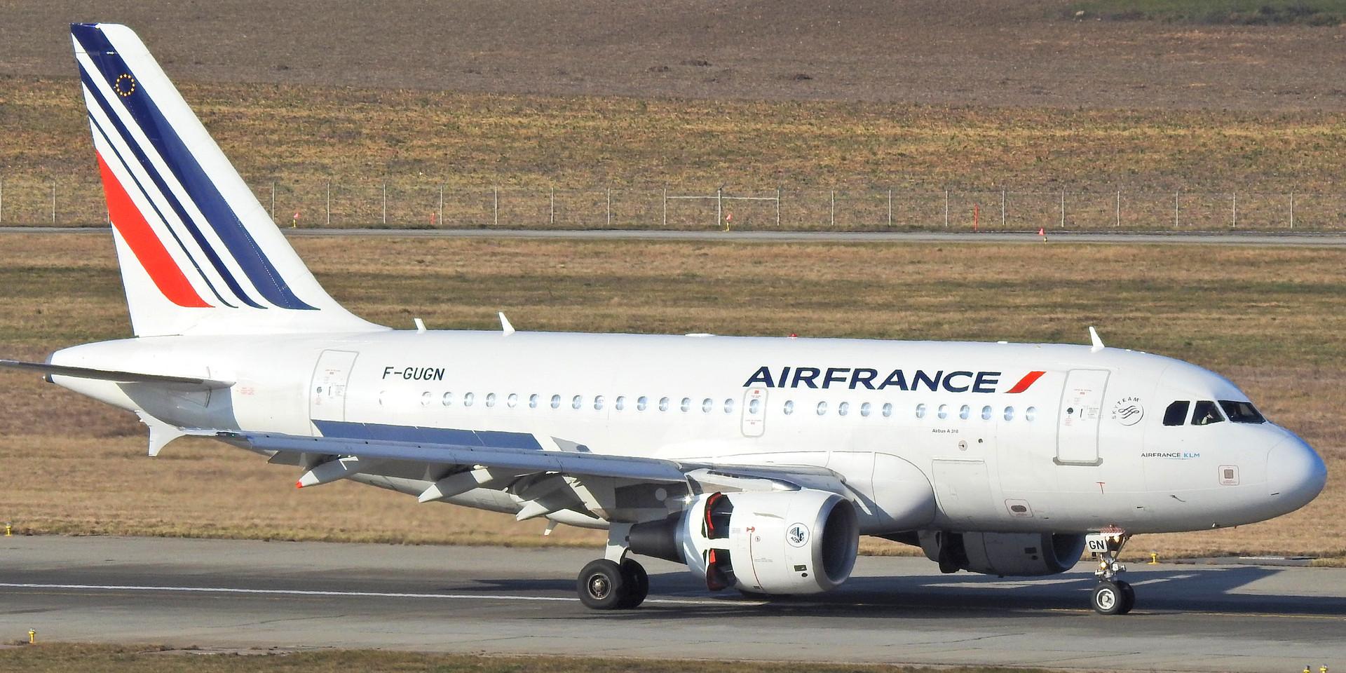 318 AF F-GUGN GVA 200120 (2).jpg