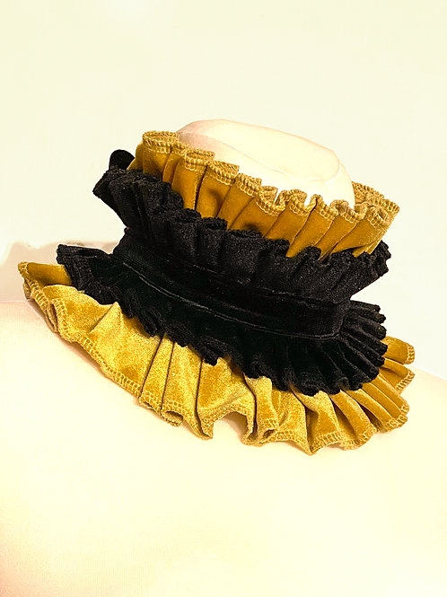 Black & Gold velvet circus collar