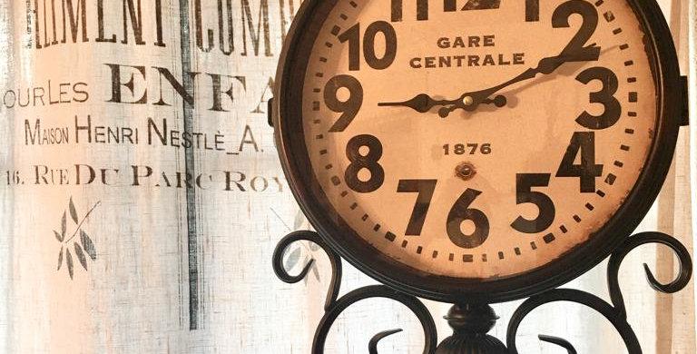 Uhr Bahnhof - Clock train
