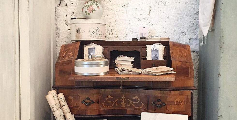 Sekräter -Damen Schreibtisch.