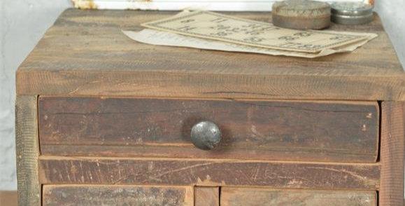 Rustikale Holzkiste mit 3 Schubladen - Wooden box