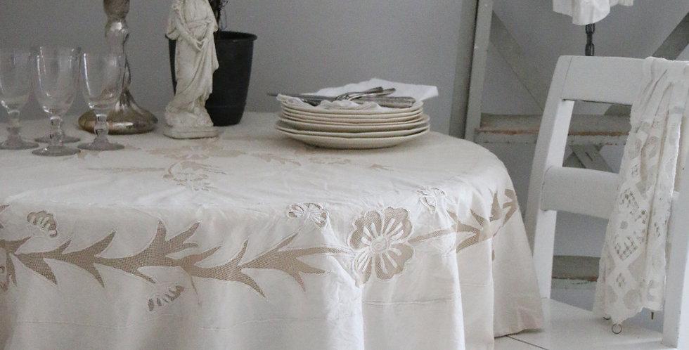 Runde Tischdecke m. handgemachte Stickerei Te Farbe-round table cloth