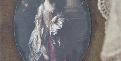 Möbeldekoration mit schöner Dame -furniture Decoration beautiful lady