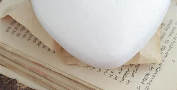 Styroporherz- Styrofoam