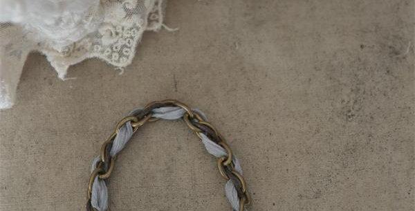 Bracelet light grau. bracelate