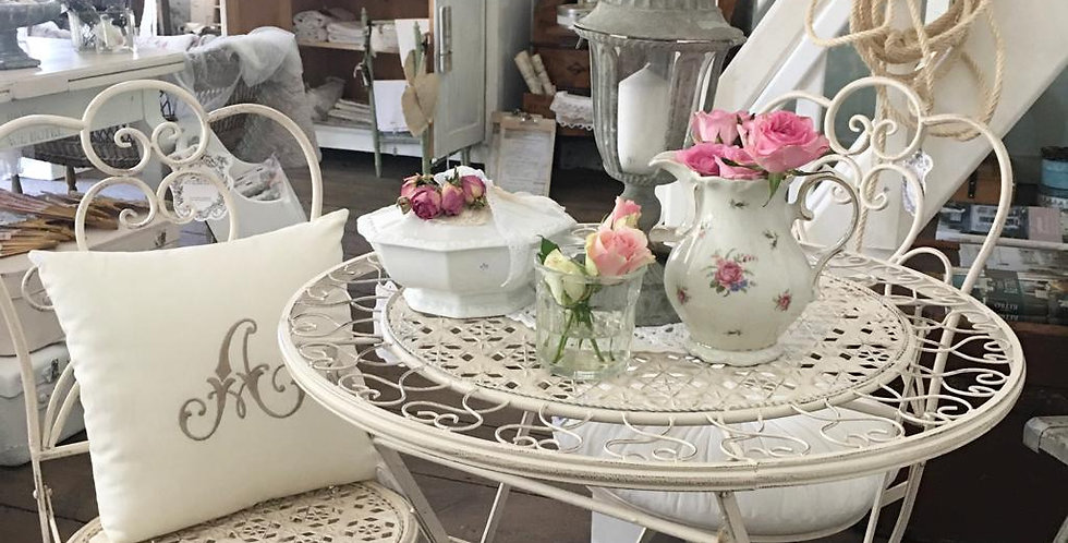 Garten Set  Herz Tisch und Stühle -Table and chairs