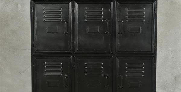 Metallschrank schwarz -metal cabinet