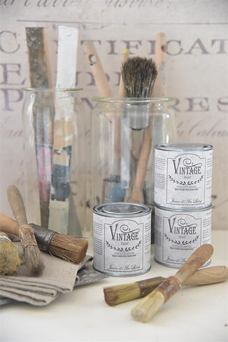 700095-vintage-paint-high-gloss-jeanne-d