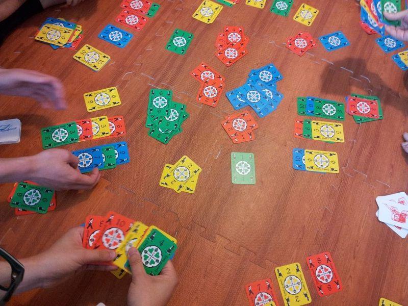 Dutch Blitz game play