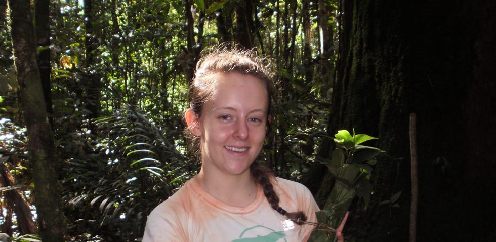 Chili Urku collecting saplings.JPG
