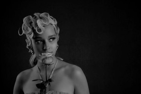 - Palais Féminin, lively romantic - figurativ Waves -