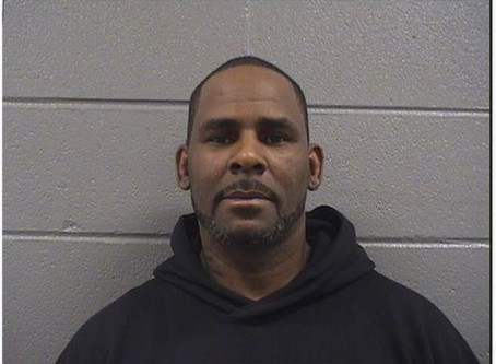 R. Kelly Still Incarcerated. Lawyer Says R&B Singer Couldn't Come Up With Bail Needed For Release
