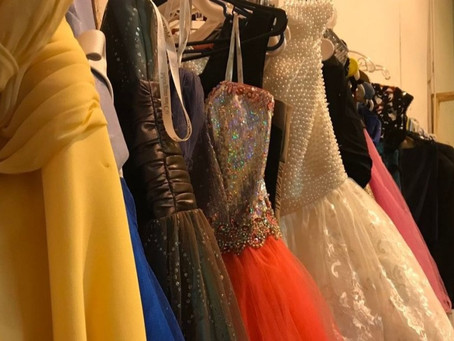 High school principal demands that she pre-approve all girls' prom dresses
