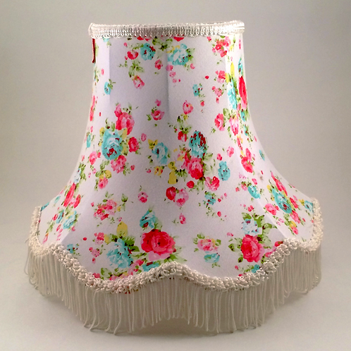 "10"" CHATSWORTH WHITE FLORAL LAMPSHADE"