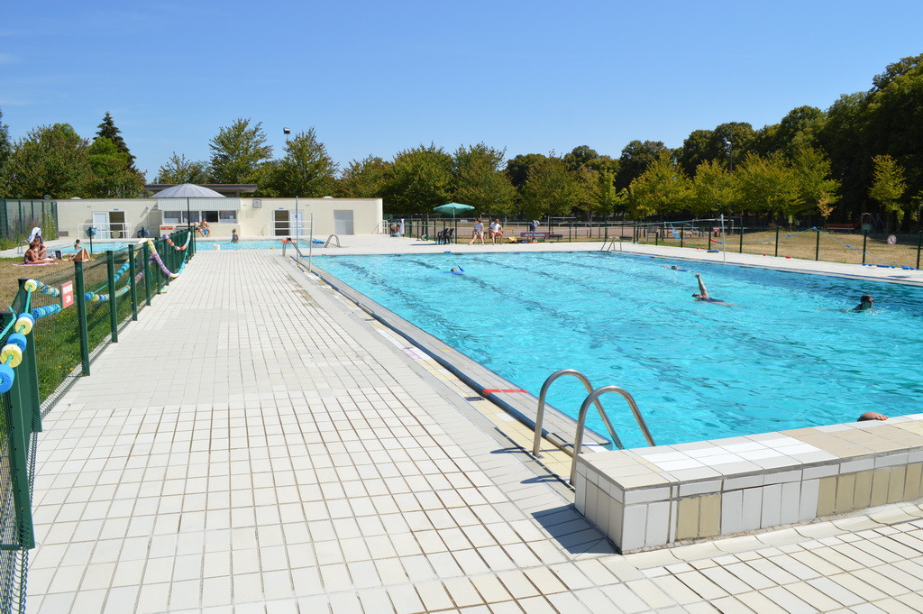 Piscine municipale d'Is Sur Tille