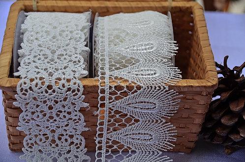Peacock Leather Pattern White Lace Trim - ริบบิ้นผ้าลูกไม้