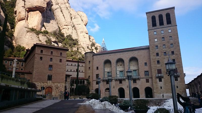 Arrivée au monastère