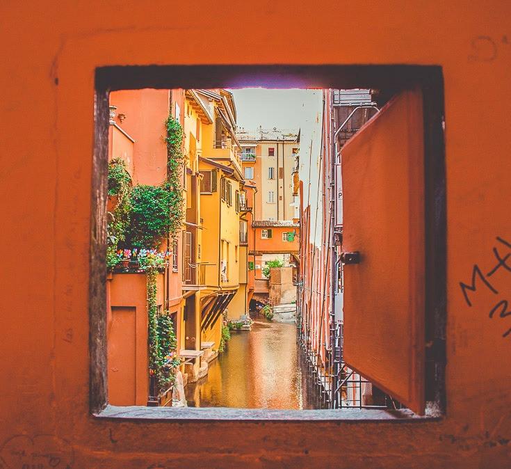Bologna photography guide: secret window