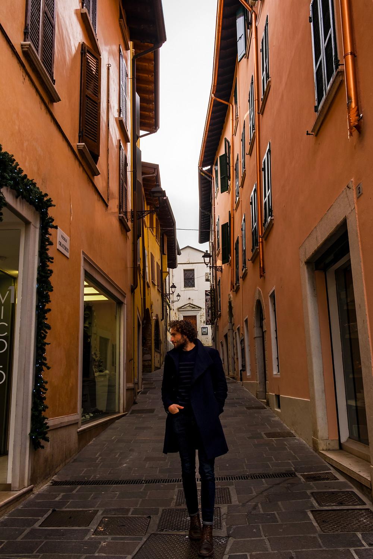 Italian street guide