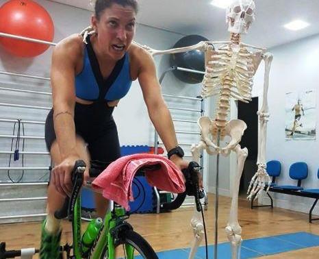 A triatleta profissional Pâmella Oliveira, conta como se prepara para o Triathlon