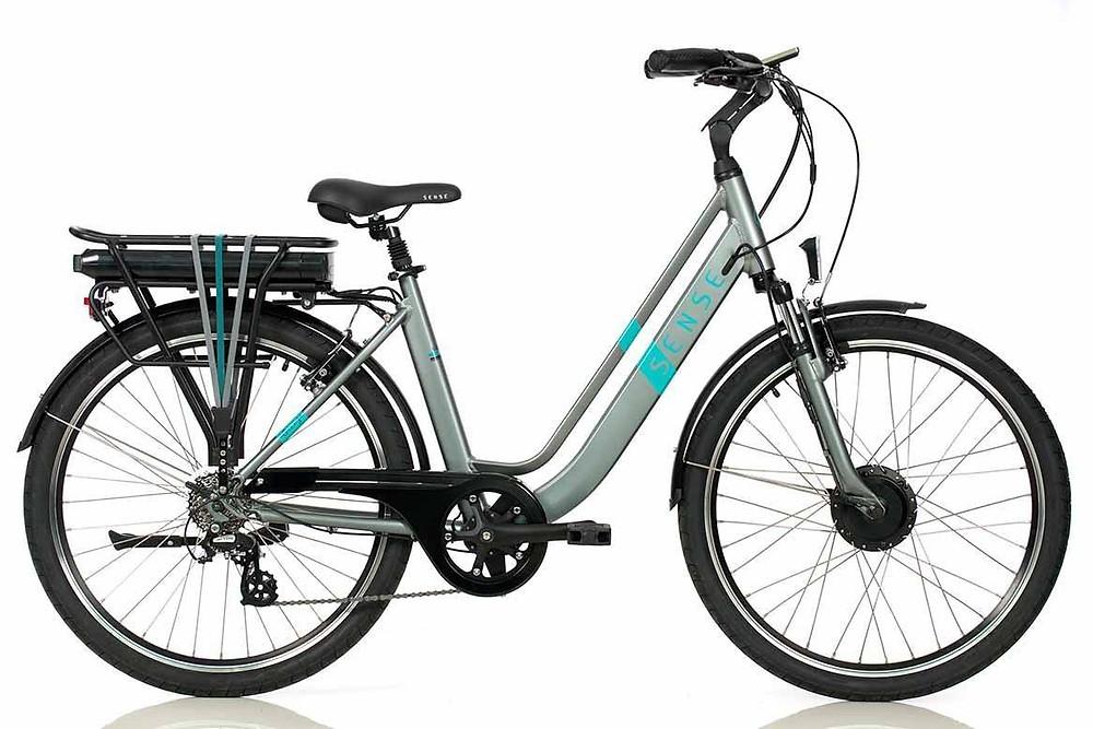 Bicicleta Bateria de Litio e pedal assistido. Sustentabilidade e eficiência.