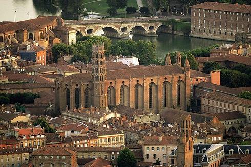 Toulouse vue aérienne Pont Neuf.jpg