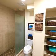 Downstairs en suite bath with walk in shower.