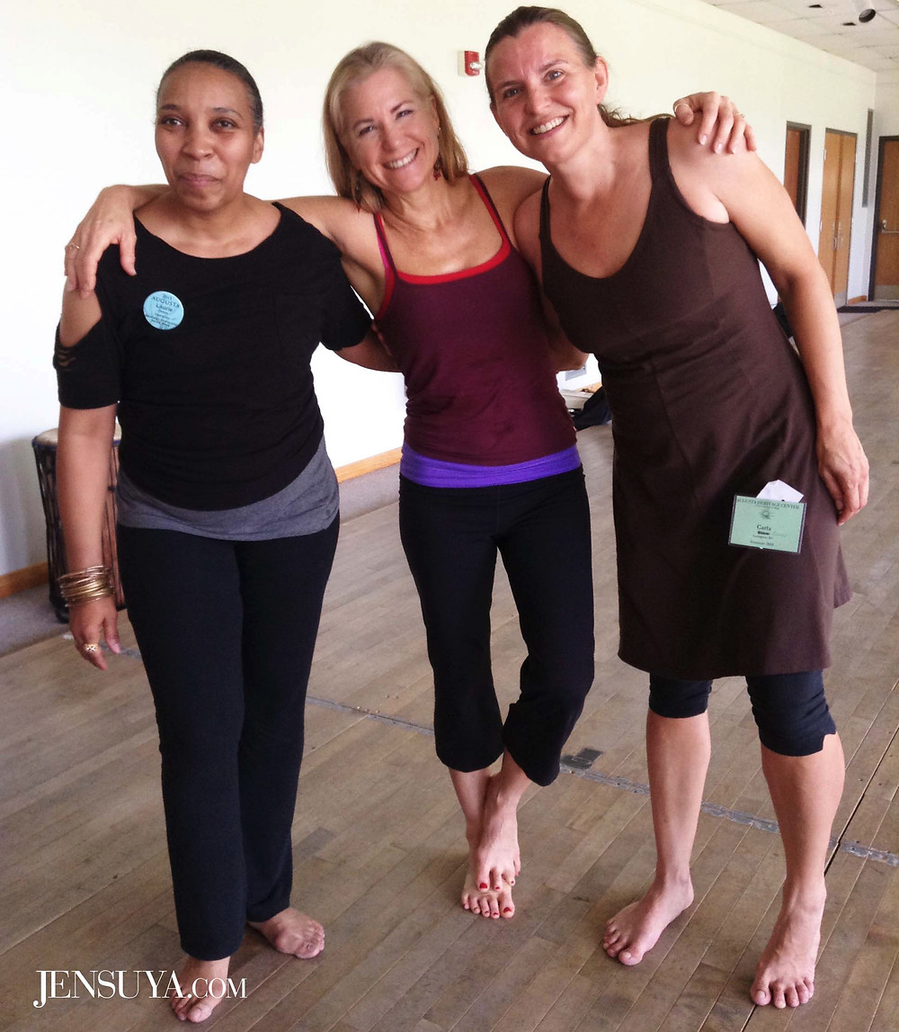 "Dancers Laurie Goux, Jennifer ""Jensuya"" Carpenter-Peak, Carla Gover smiling at Augusta Heritage Festival Dance workshop."