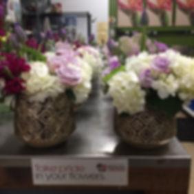 american grown, tulips, roses, stock, mums, hydrangea, kale, centerpiece, floral centepiece, sacramento, sacramento florist, bloem decor