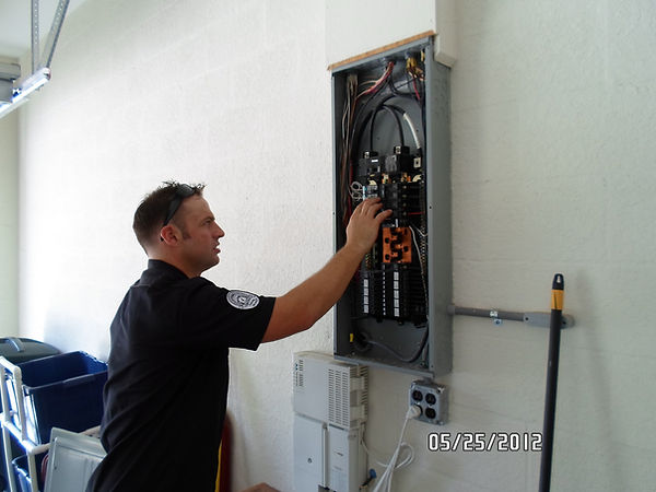 Denver's Handyman Services - Electrical Repairs