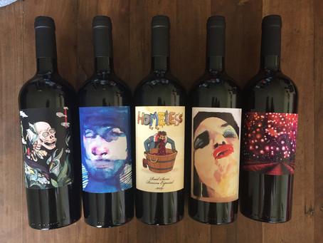 PYNOI reúne a artistas nacionales y viste sus vinos