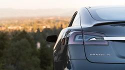 Tesla-Model-S-Back